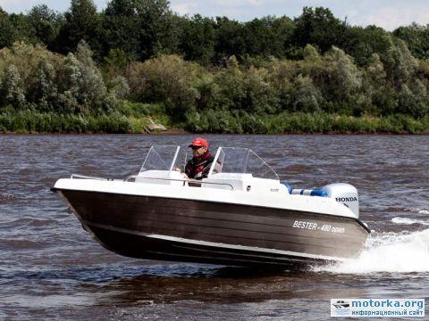 корпусные моторные лодки