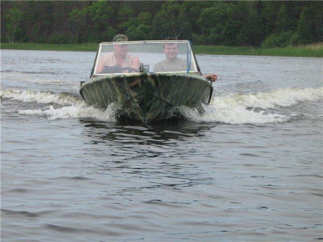 лодка Крым вид спереди