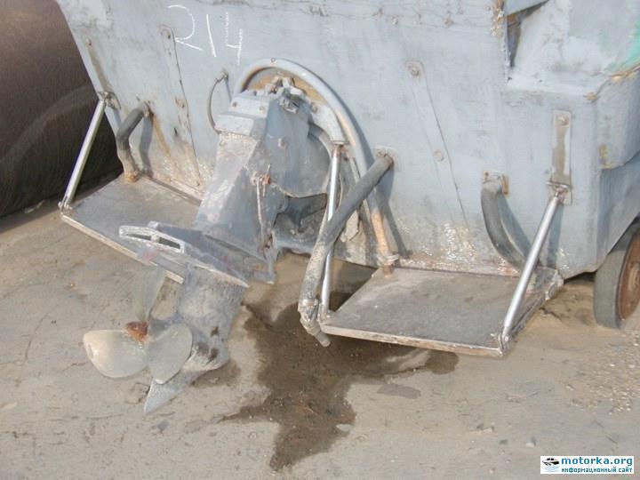 """В середине 90-х годов один из владивостокских водномоторников-любителей предпринял попытку оснастить  """"Ладогу-2 """"..."""