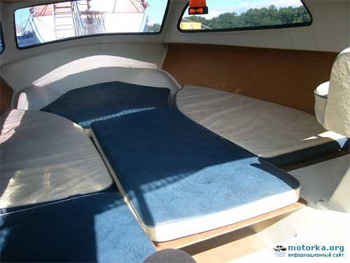 Каюта лодки Ладога-2