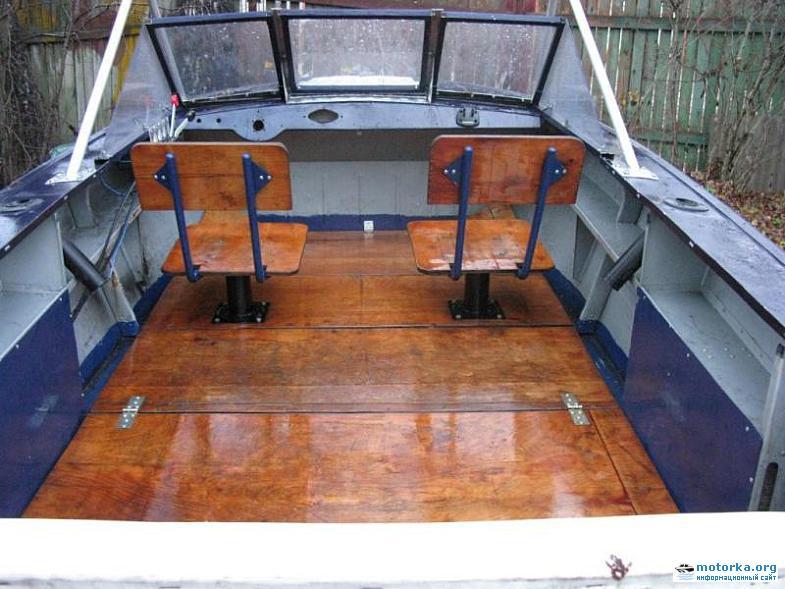 Пол в лодке