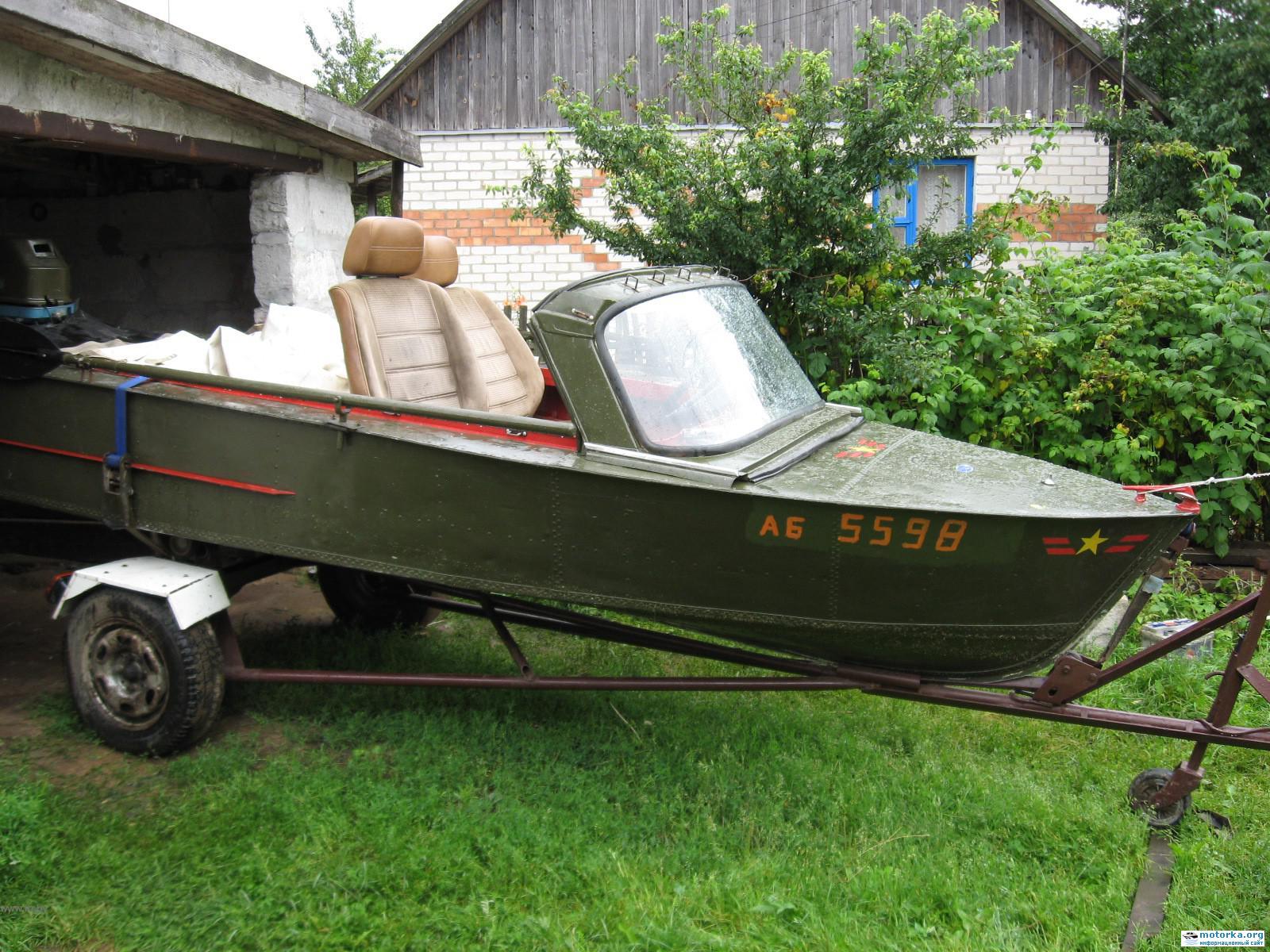 Автостекло на лодке МКМ