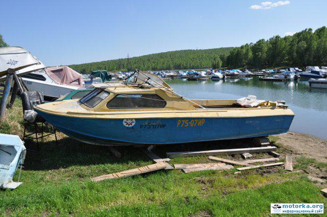 Удлиненная лодка Москва-2