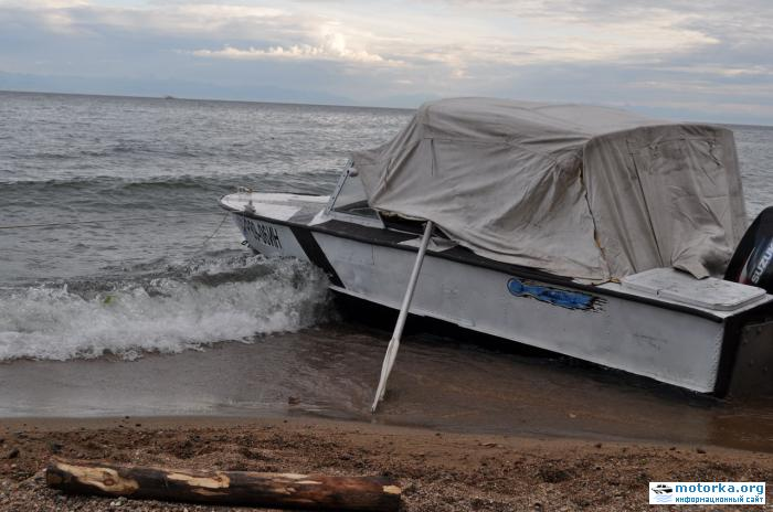 на лодке по байкалу