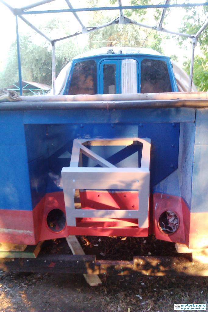 Катер Орлан с выносным транцем под подвесной лодочный мотор