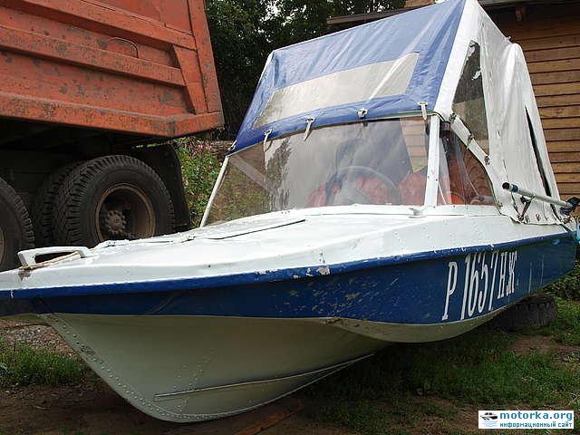 лодка Обь-3 с тентом
