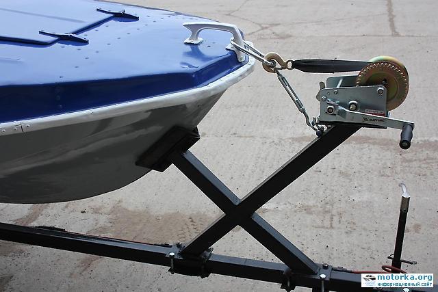 крепление лодки Обь-М к прицепу