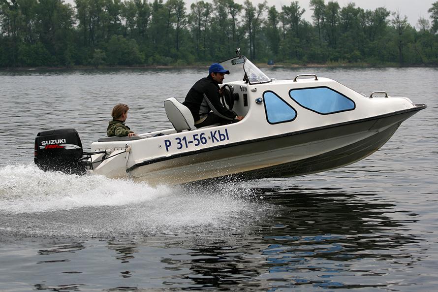 Казанка-5М4 с каютой