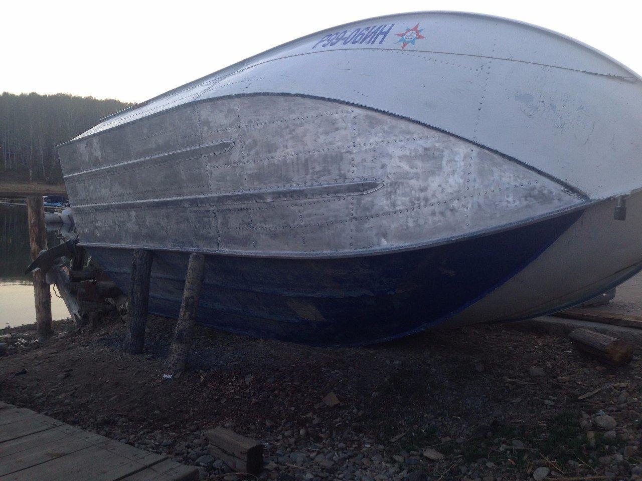 днище лодки Москва-2