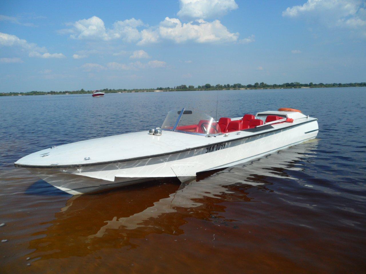 катер Волга
