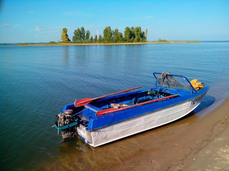 мотор Привет-25 на лодке