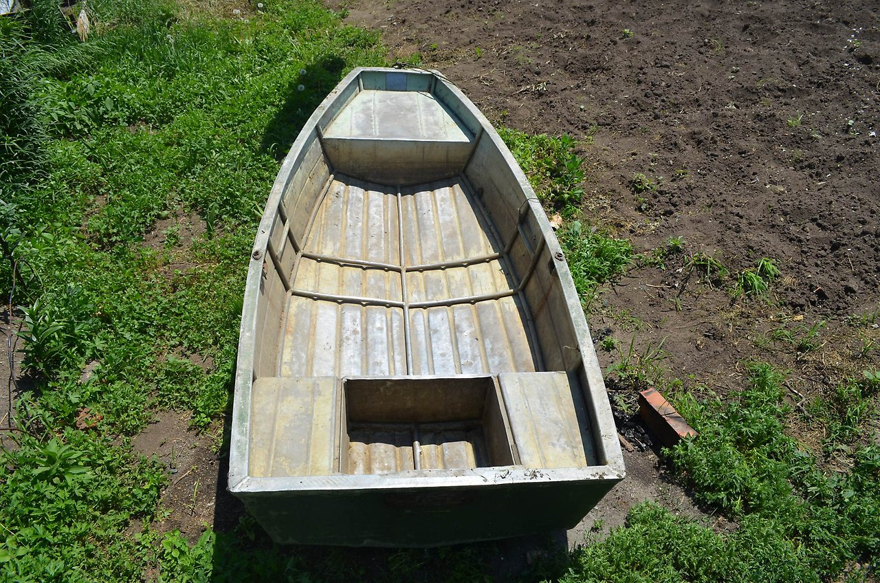 лодка Нева