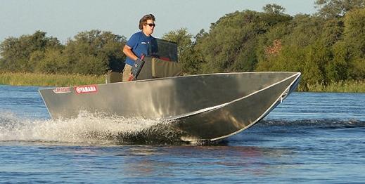 какая лучшая лодка для волн