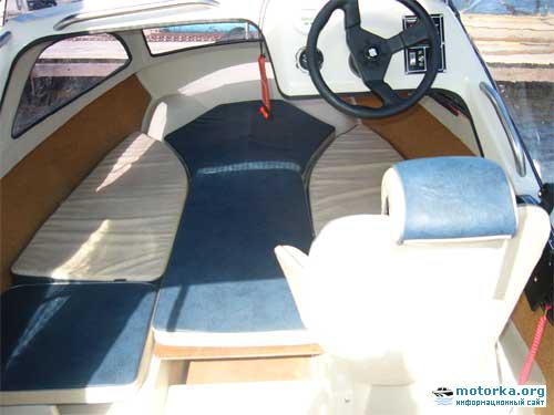 Моторная лодка Ладога-2, каюта