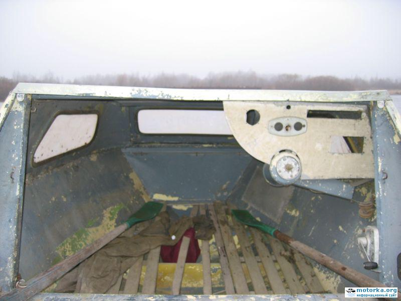 Внешний вид каюты лодки Серебрянка-3