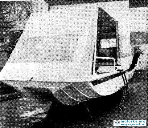 лодка-плавдача Дон. Вид с носа