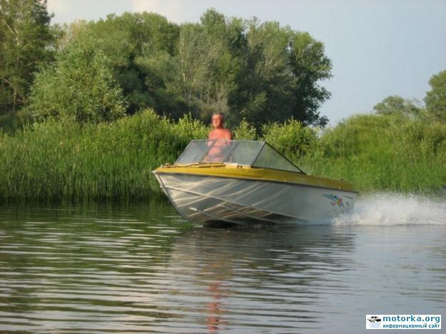 моторная лодка Крым-3