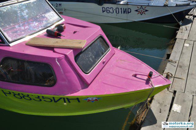 Каютная лодка Серебрянка3