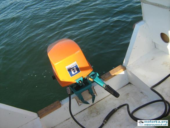 подвесной лодочный мотор Ветерок-8М