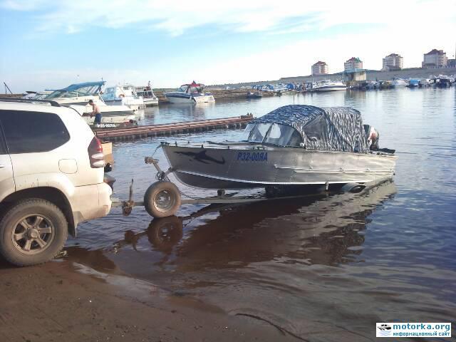 Спуск на воду лодки Прогресс-3М