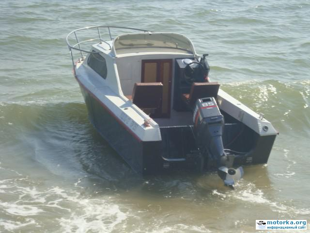 Лодка Москва-2, вид со стороны транца