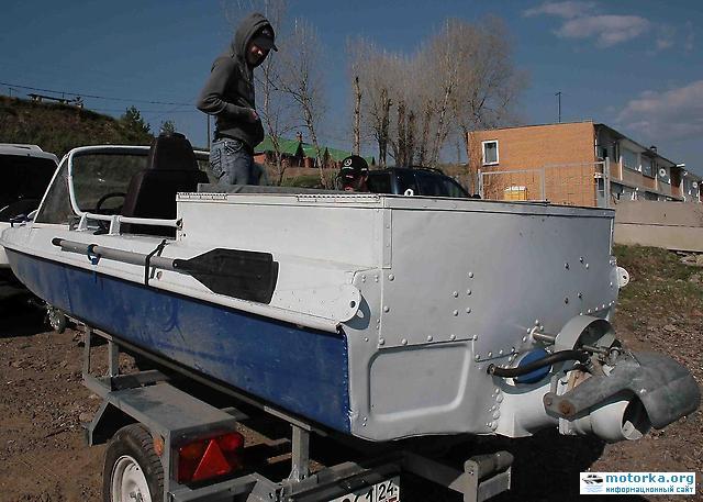 Катер на базе лодки Обь-3