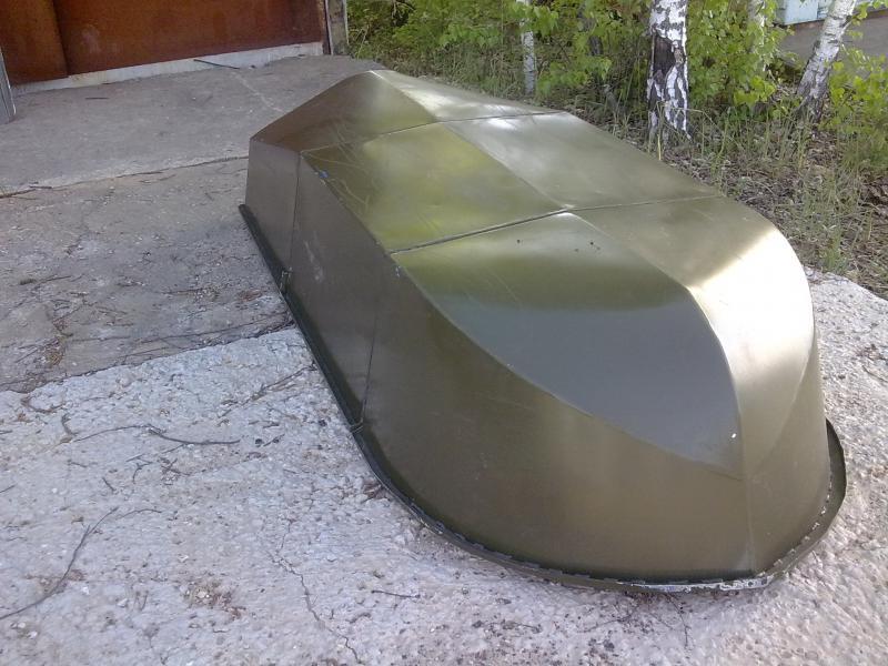 перевернутая лодка Малютка-3